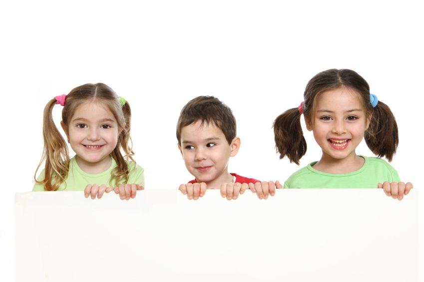kids-holding-board